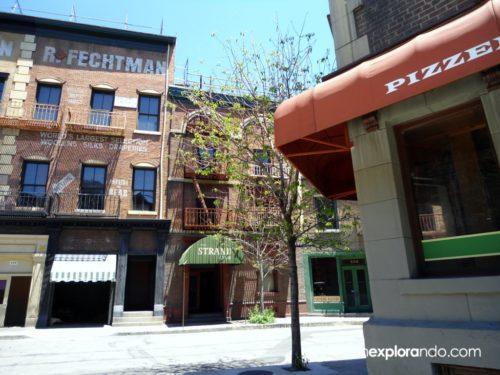 Calle y pizzería